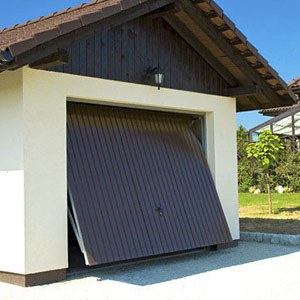 Tilting garage door / steel / automatic